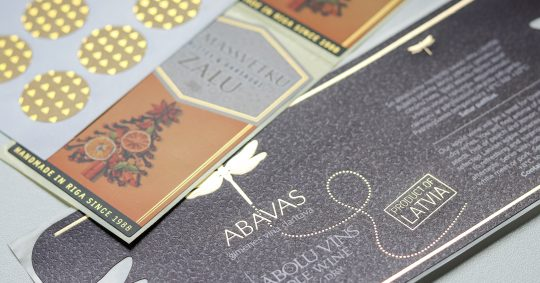 etiketter, labels eller stickers med effekt
